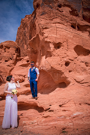 Valley of Fire Wedding Couple